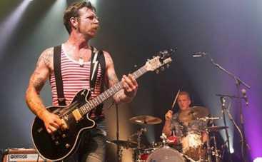 Теракт в Париже: музыканты Eagles Of Death Metal в безопасности