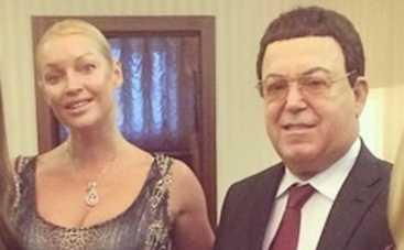 Анастасия Волочкова собралась с Кобзоном в ДНР