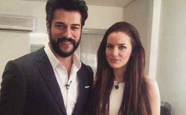 Бурак Озчивит и Фехрийе Эвджен готовятся к свадьбе