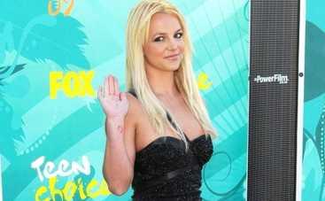 Бритни Спирс доказала, что она в хорошей физической форме (ВИДЕО)