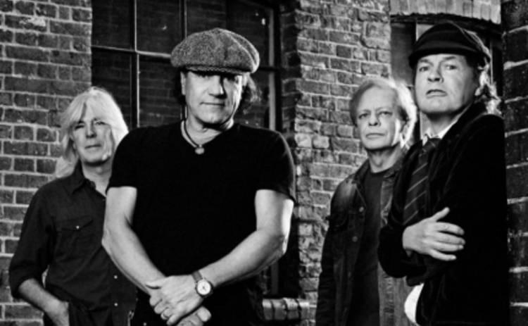 AC/DC доказали, что они не сахарные мальчики (ВИДЕО)