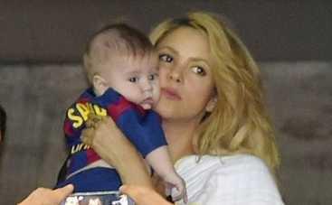 Шакира с сыном пришла поболеть за мужа (ФОТО)
