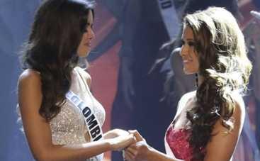 Мисс Вселенная 2015: ведущий одел корону не той участнице (ВИДЕО)