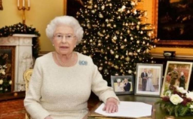 Королева Великобритании поздравила всех с Рождеством (ВИДЕО)