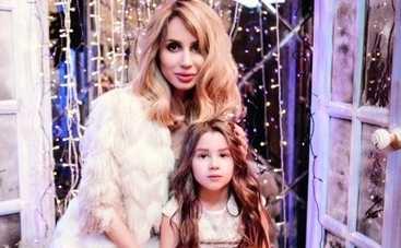 Светлана Лобода с дочерью поздравила с Рождеством (ФОТО)