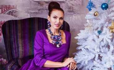 Эвелина Бледанс осваивает танцы на шесте (ФОТО)