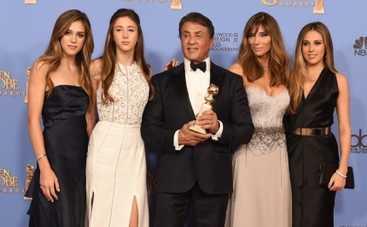 Золотой глобус 2016: Сильвестр Сталлоне с дочками оказались в центре внимания