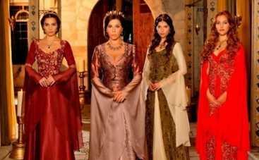 Величне століття. Роксолана: что символизируют платья героинь?