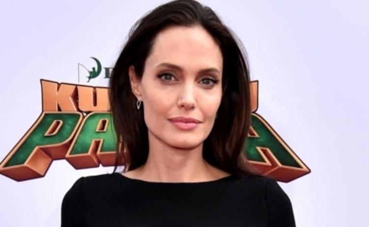 Панда Кунг-Фу 3: Анджелина Джоли посетила премьеру с детьми (ФОТО)