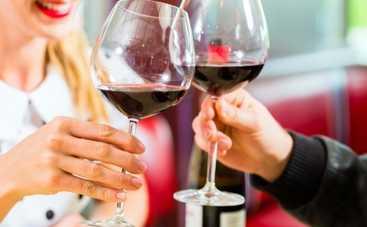 Миф разоблачен: выбирай тренажерный зал или бокал вина