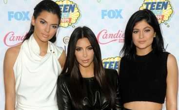 Ким Кардашьян стала жертвой сестер-шутниц