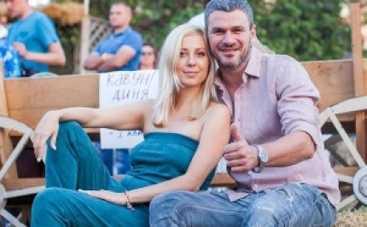 Тоня Матвиенко и Арсен Мирзоян крестили дочку (ВИДЕО)