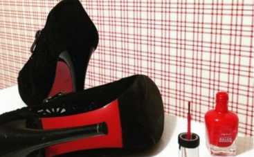 На лабутенах: как перекрасить туфли (ВИДЕО)