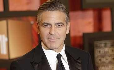 Джордж Клуни обвинил Дональда Трампа в фашизме и ксенофобстве