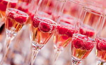 Как правильно сочетать игристое вино с едой