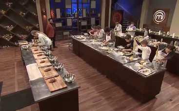 МастерШеф. Дети: участники устроили кулинарную гонку на выбывание (ВИДЕО)