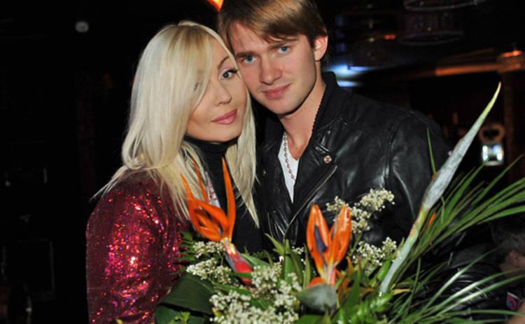 Ирина Билык поздравила Дмитрия Дикусара с разводом