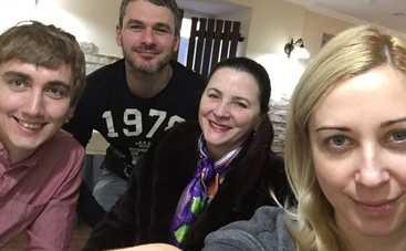 Пасха 2016: Тоня Матвиенко приобщила Арсена Мирзояна к семейным традициям