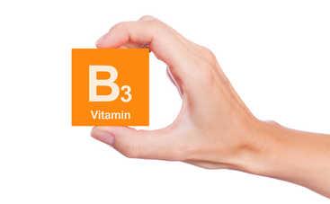 Назван витамин, который замедляет старение
