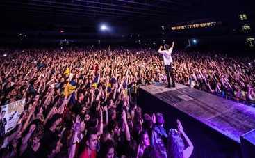 Океан Эльзы дали бесплатный концерт в Мариуполе