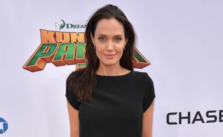 Анджелина Джоли будет учить уму-разуму лондонских студентов