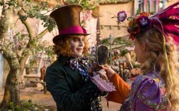 Кинопремьеры недели: Алиса в Зазеркалье, Пристегните ремни и другие