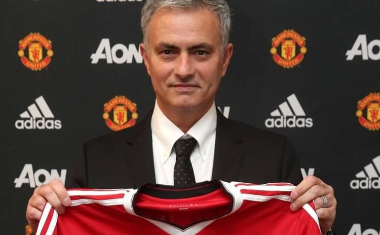 Особенный тренер возглавил «красных дьяволов»