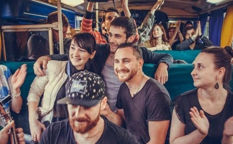 Группа С.К.А.Й. устроила концерт в киевском трамвае (фото, видео)
