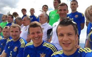 Защитника сборной Украины чуть не утопили в бассейне (видео)