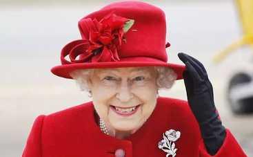 Королева Англии в 90 лет стала моделью (фото)
