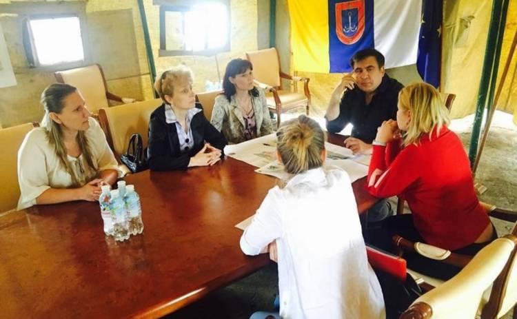 Саакашвили переехал в палатку (видео)
