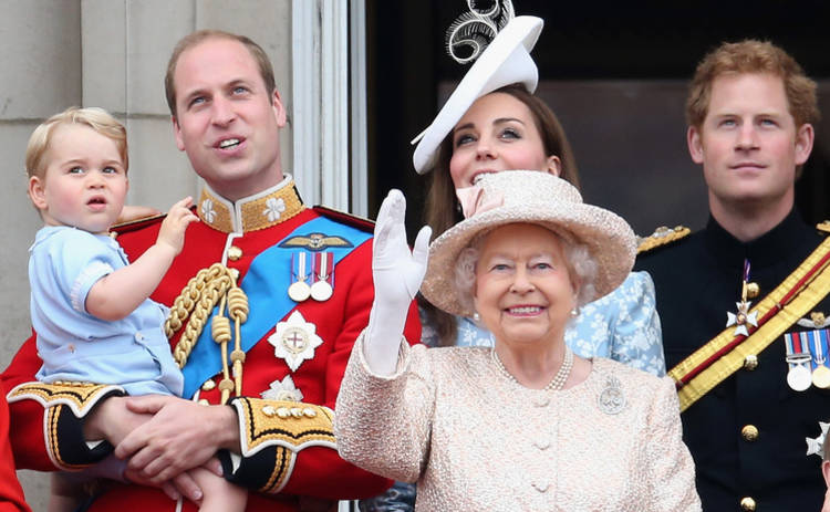 ТОП-15 неловких фото королевской семьи