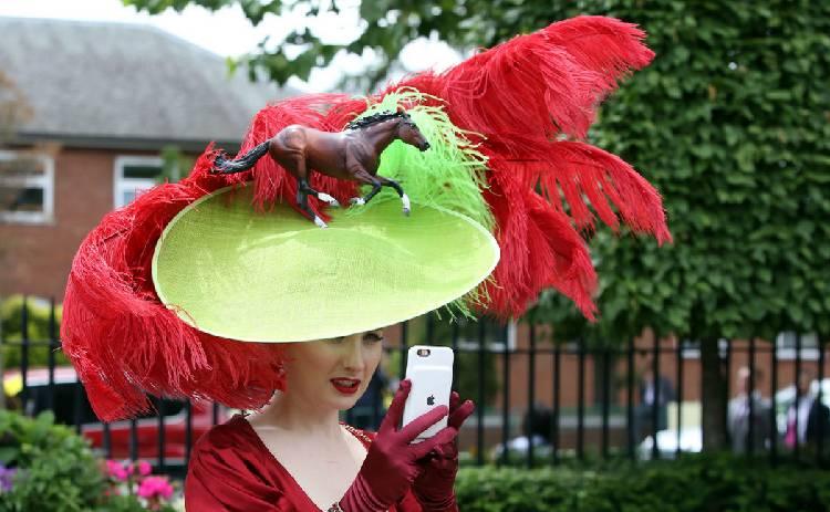 Шляпная феерия на Royal Ascot (фото)