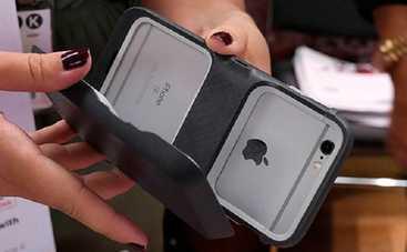 Создан кейс для iPhone 6, увеличивающий память и батарею