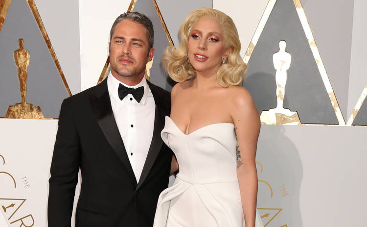Леди Гага и Тейлор Кинни отложили свадьбу