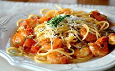 Спагетти с креветками и авокадо (рецепт)