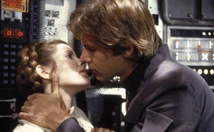 ТОП-5 самых романтических поцелуев в кино