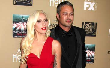 Леди Гага и Тэйлор Кинни сделали паузу в отношениях (фото)