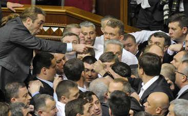 Украинские депутаты-драчуны стали кумирами китайских панков (фото, видео)