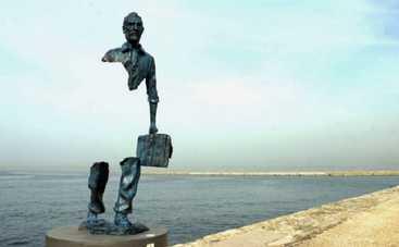 Самые странные скульптуры на планете (фото)