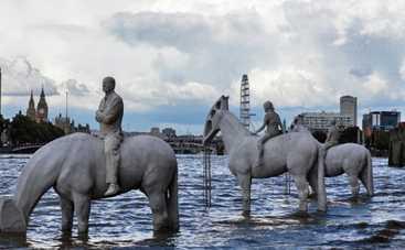 В Лондоне появились исчезающие скульптуры (фото, видео)