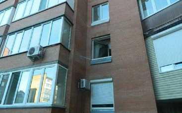 Домушники обчистили квартиру экс-министра обороны Кузьмука (фото)