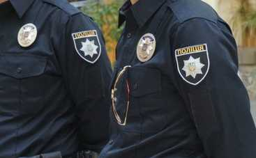 Киевские полицейские поймали пьяную коллегу за рулем (фото, видео)