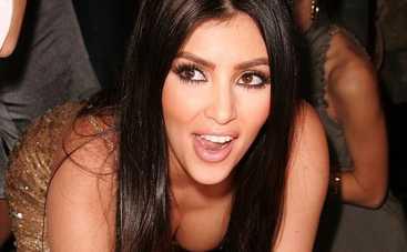 Ким Кардашьян появилась на публике в «голом» платье (фото)