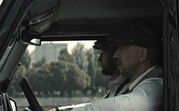 Рэпер Серега устроил погоню на внедорожниках (видео)
