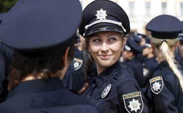 Девушек-полицейских на улицах станет меньше