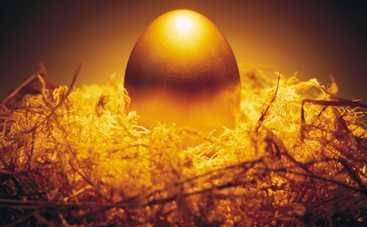 В центре Львова у мужчины отобрали яйцо. Да не простое...