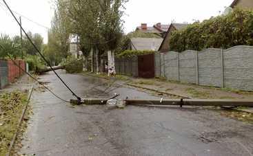 Непогода погрузила во мрак семь областей Украины