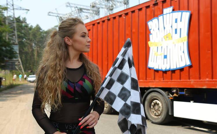 Зваженi та щасливi-6 создали пробку на весь Киев