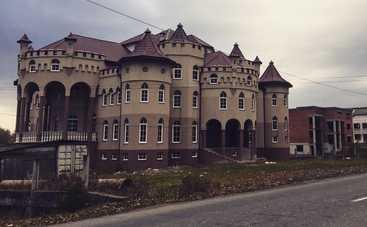 Роскошные «села контрабандистов» на Закарпатье (фото)